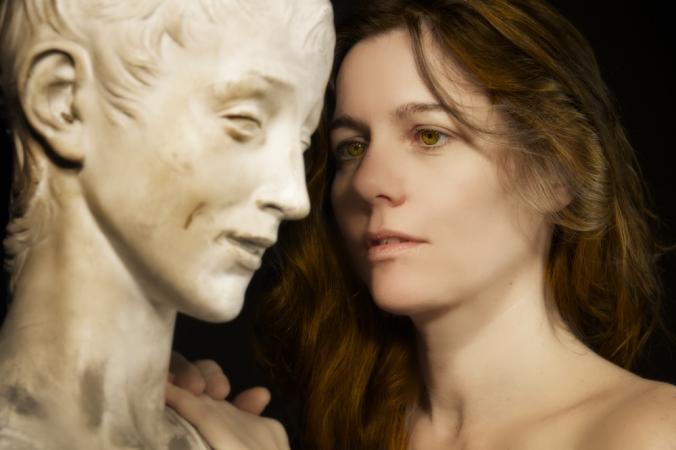 La Mujer y la Escultura