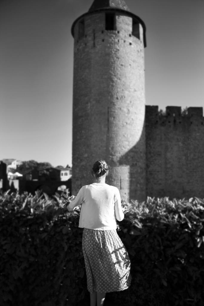 la muchacha del castillo de piedra